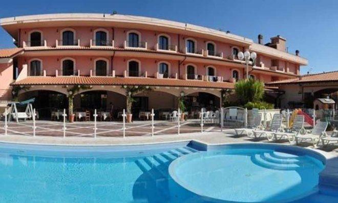 Estate 2021 a Tortoreto, Hotel 4 stelle e relax